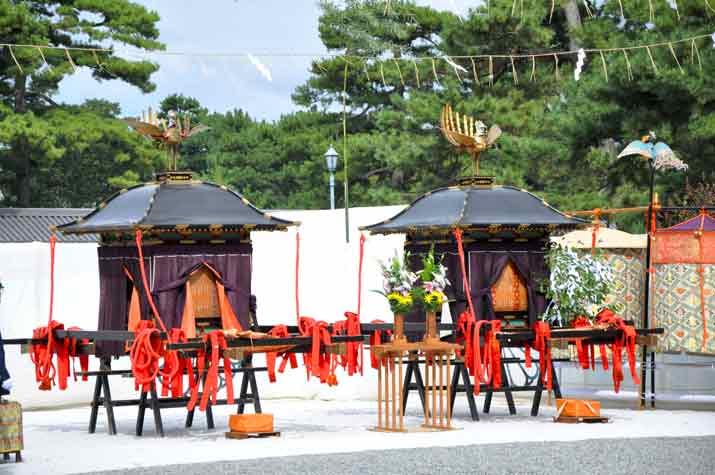 鳳輦(ほうれん)時代祭
