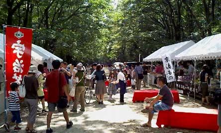 下賀茂神社(夏の京麺流し)境内の様子