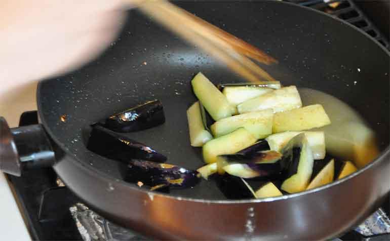 茄子の素揚げ(とゆゆばの中華風炒め物レシピ)